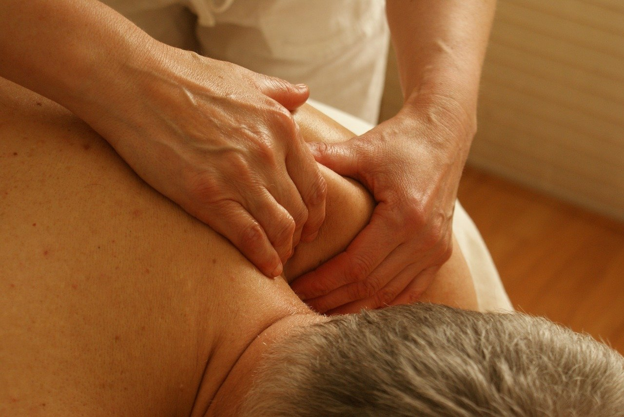 massage therapy at Lander Chirpractic in Brea, CA